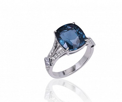 Blue Spinel & Diamond, DUBAI